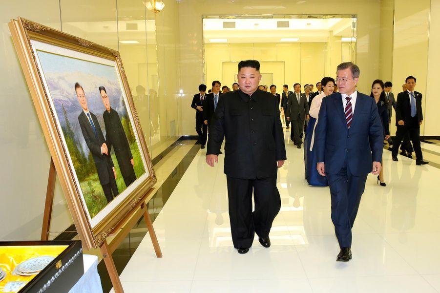 Kim Jong-un et Moon Jae-in à Pyongyang, le 18 septembre 2018.