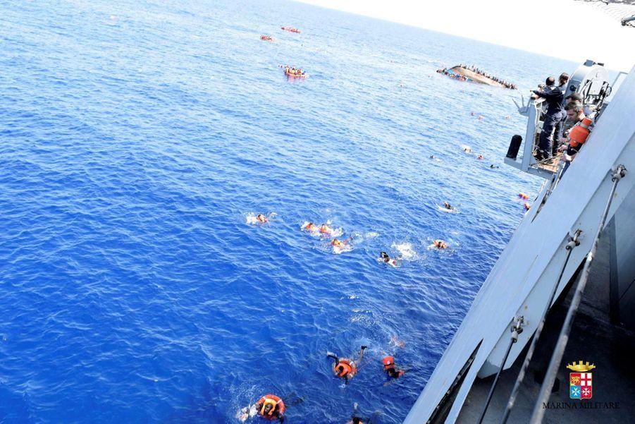 Naufrage en direct au large des côtes libyennes