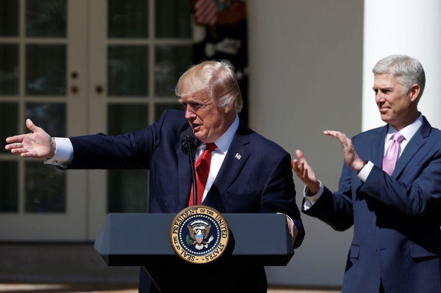 Donald Trump et Neil Gorsuch à la Maison Blanche, le 10 avril 2017.