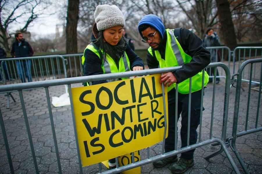 """Manifestation de """"gilets jaunes"""" à New York, aux Etats-Unis, le 22 décembre 2018."""