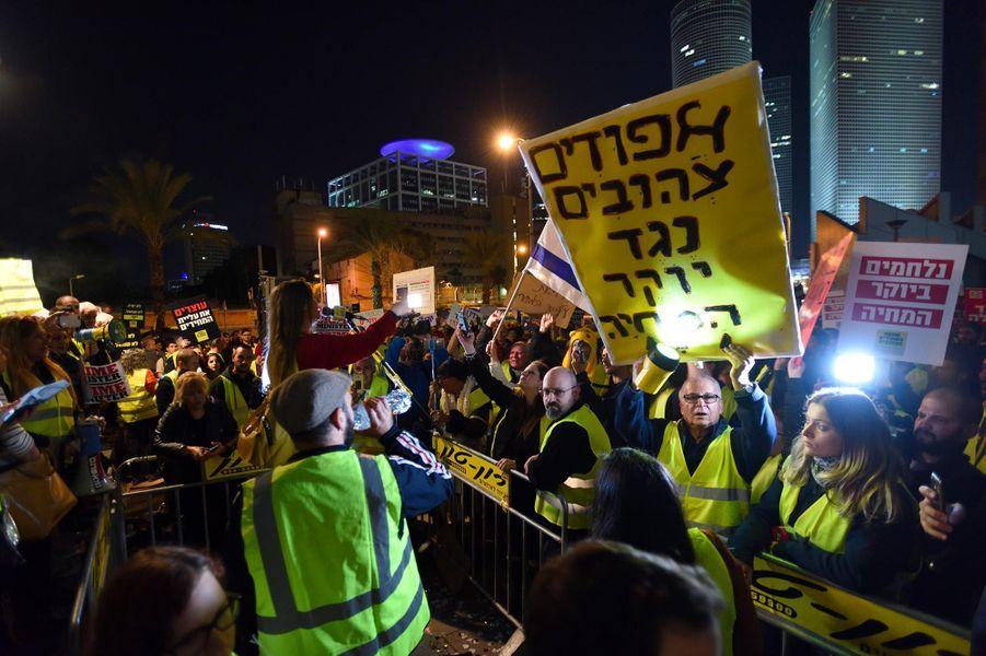 """Manifestation de """"gilets jaunes"""" à Tel Aviv, en Israël, le 22 décembre 2018."""