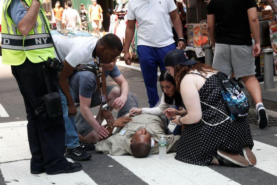 Une voiture a renversé des piétons sur Times Square, à New York, le 18 mai 2017.
