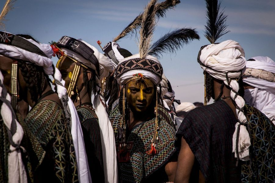 Les danseurs wodaabe (un groupe peul).