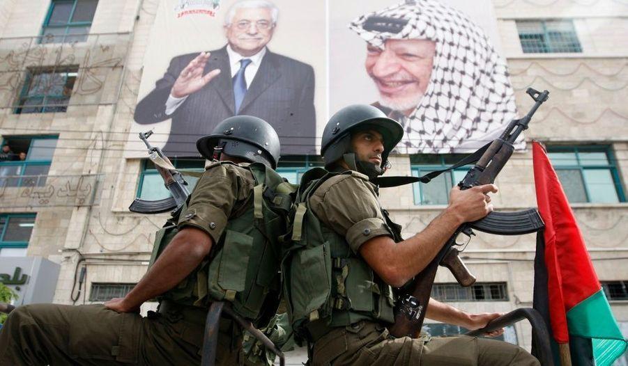 Alors qu'une issue au conflit n'a rarement semblé si éloignée, les palestiniens de Cisjordanie ont organisé ce lundi un défilé à Hebron pour célébrer les 21 ans de la proclamation symbolique de l'Etat palestinien par Yasser Arafat, le 15 novembre 1988