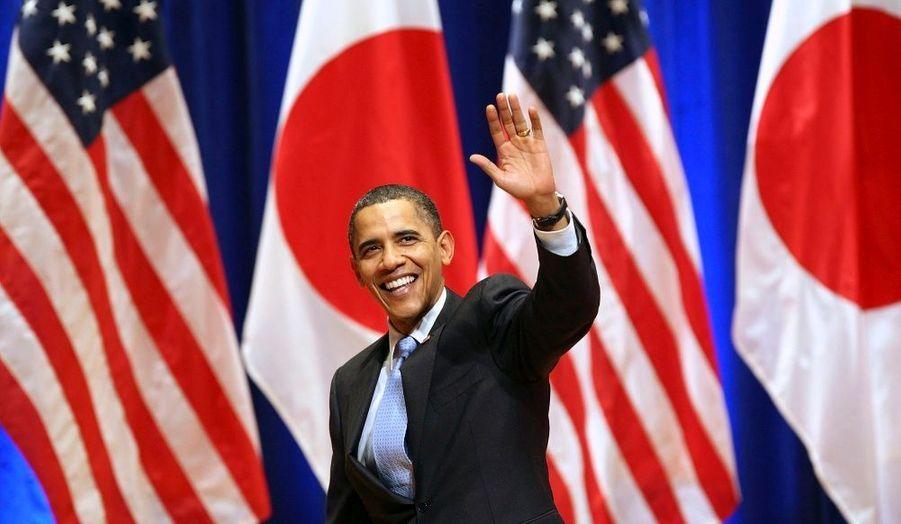 """Barack Obama a plaidé samedi pour un engagement approfondi des Etats-Unis en Asie, notamment avec la poursuite d'une coopération pragmatique avec la Chine et un renforcement des liens commerciaux avec les pays de la région. """"C'est ici (en Asie) que nous réalisons la majeure partie de notre commerce et achetons un nombre important de nos biens. C'est ici que nous pouvons exporter nos propres produits et créer des emplois chez nous en retour"""", a expliqué le président américain devant une assemblée de 1 500 personnes."""