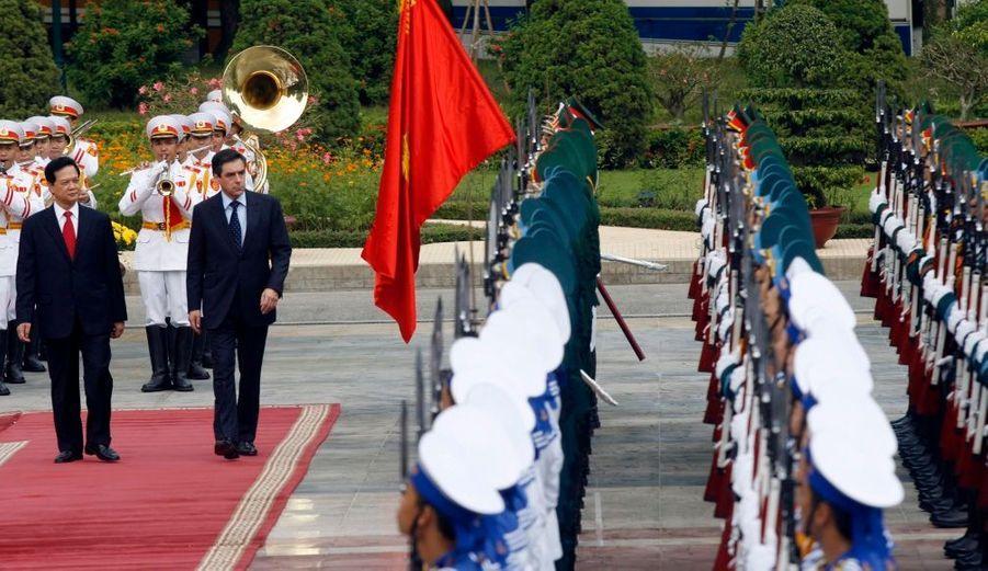 Le Premier ministre François Fillon est au Vietnam pour trois jours afin de conclure une série d'accords commerciaux. C'est la première visite d'un responsable politique français d'importance depuis la venue de Jacques Chirac en 2004.