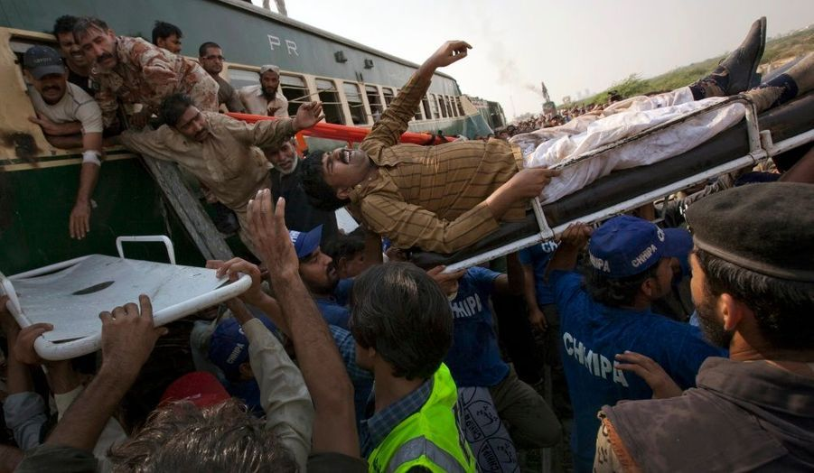 Déjà victime d'une vague d'attentats sans précédent, le Pakistan a vécu un dramatique accident ferroviaire. Une collision entre deux trains dans la région Karachi à fait 12 morts et 98 blessés ce mardi