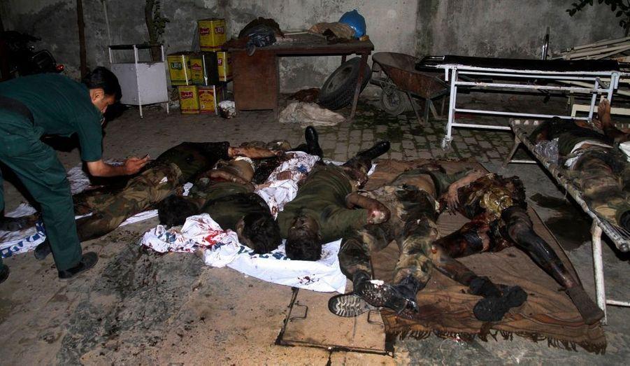 Une forte explosion a fait au moins 24 morts et 25 blessés lundi à Rawalpindi, près de la capitale pakistanaise Islamabad, rapportent la police et des témoins. Selon des témoins, la déflagration s'est produite non loin du quartier général de l'armée, dans un quartier qui abrite plusieurs grands hôtels et est pourtant hautement protégé. La semaine dernière, une attaque sur le marché de Peshawar faisait 134 victimes, soit le plus lourd bilan depuis plus de deux ans et l'attaque qui avait coûté la vie à l'ancien Premier ministre Benazir Bhutto.