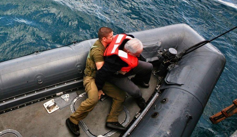 Les images ont fait le tour du monde. Parti pêcher au large d'Haïfa, Benjamin Netanyahou, le Premier ministre israélien, a eu du mal à tenir l'équilibre sur son embarcation.