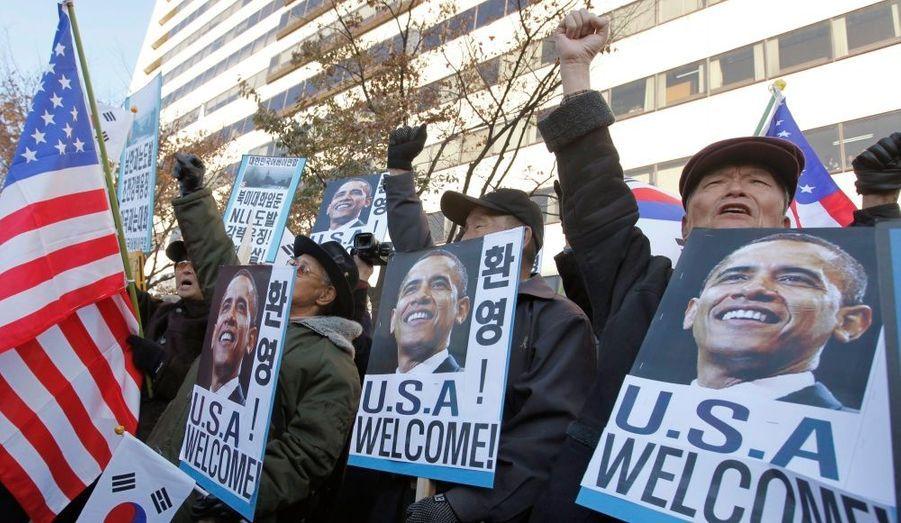 Barack Obama est arrivé mercredi à Séoul, capitale de la Corée du Sud. La ville a été le théatre de manifestation hostile à la Corée du Nord.