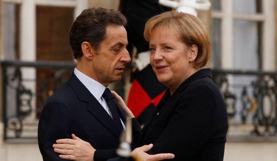 Un 11 Novembre historique. Angela Merkel, la chancelière allemande, a été invitée par Nicolas Sarkozy à suivre les commémorations de l'armistice mettant fin à la première guerre mondiale.