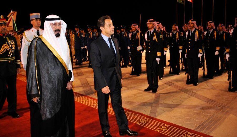 Le président français est arrivé a Ryad ce mardi pour une visite en Arabie Saoudite destinée à resserer les liens entre les deux pays.