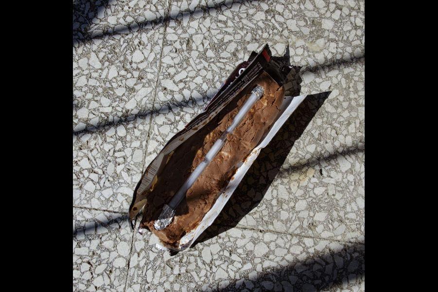 Palestine, Bethléem. L'une des méthodes utilisées par les prisonniers pour sortir leur sperme de la prison est de le placer dans un stylo avant de le glisser dans une barre chocolat qu'ils offrent aux enfants pendant les visites, ce qui est autorisé.