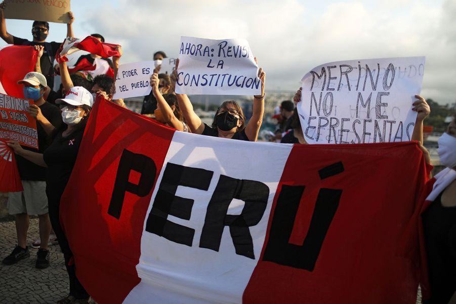 Au Brésil, des manifestants solidaires du Pérou