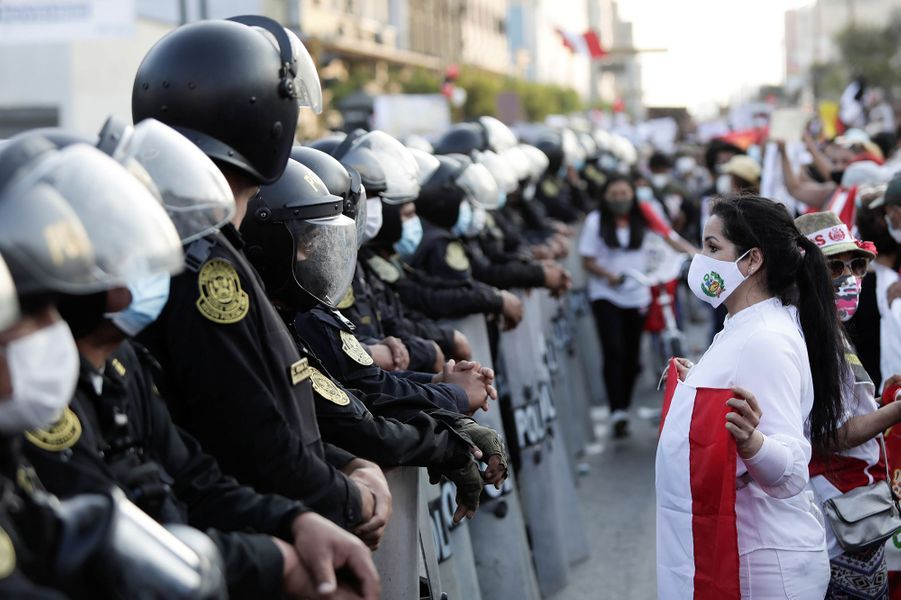 Les manifestants au Pérou