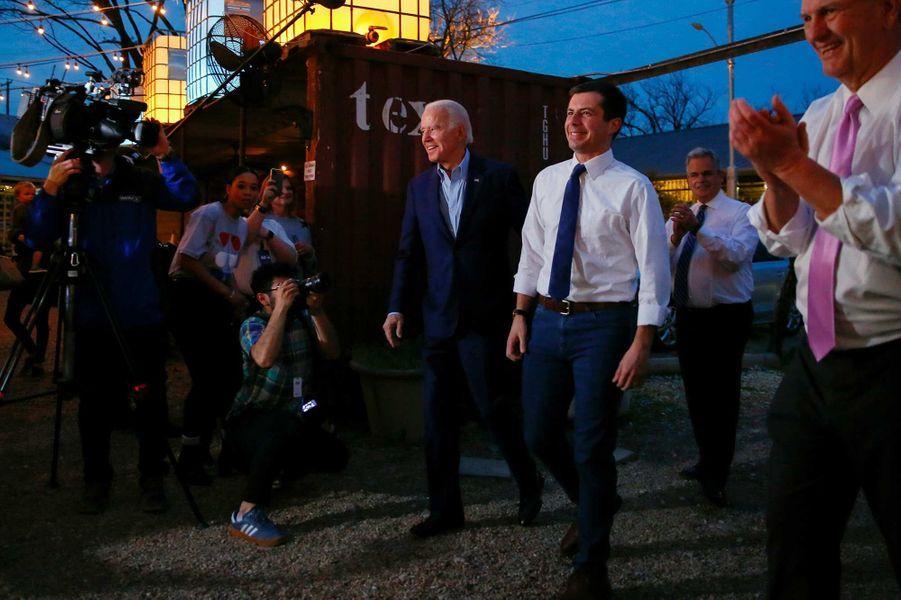 Joe Biden a reçu le soutien de Pete Buttigieg, Amy Klobuchar et Beto O'Rourke à Dallas, au Texas, le 2 mars 2020.