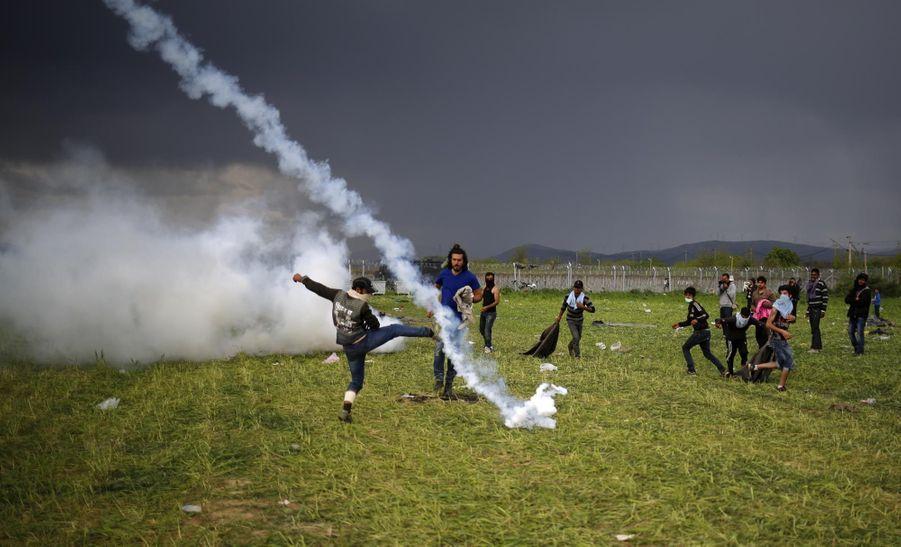 Plus de 300 blessés au camp d'Idomeni