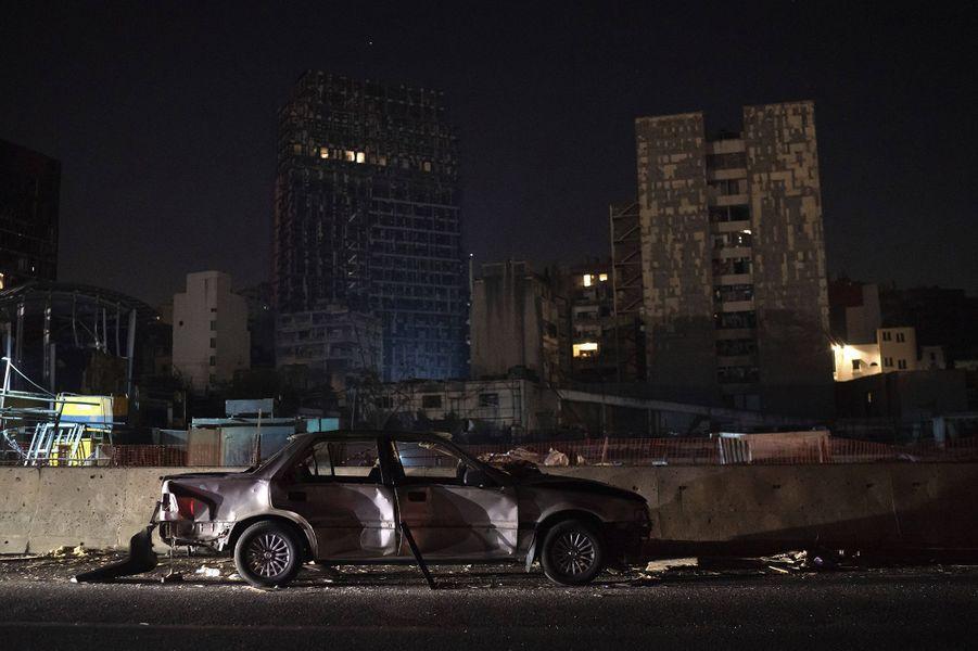 Scène de désolation dans les rues de Beyrouth, trois jours après les explosions qui ont fait plus de 150 morts, le 7 août 2020