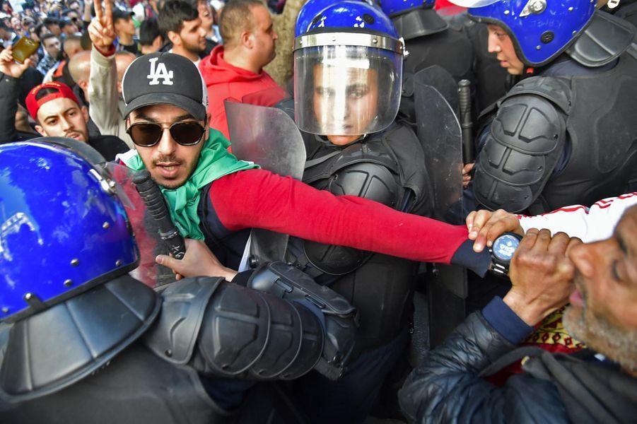 Manifestation à Alger, en Algérie, le 1er mars 2019.