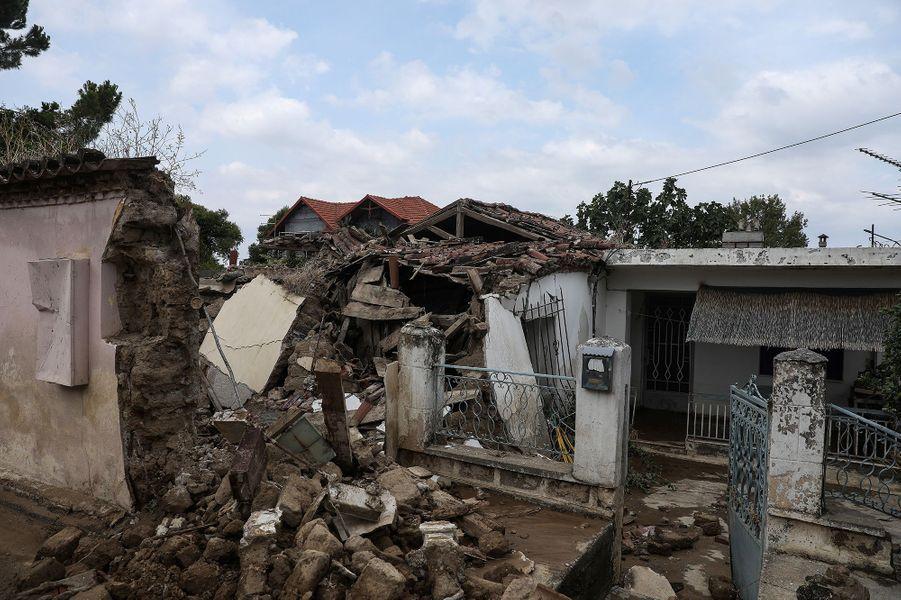 Une maison détruite sur l'île d'Eubée en Grèce après les inondations le 9 août 2020
