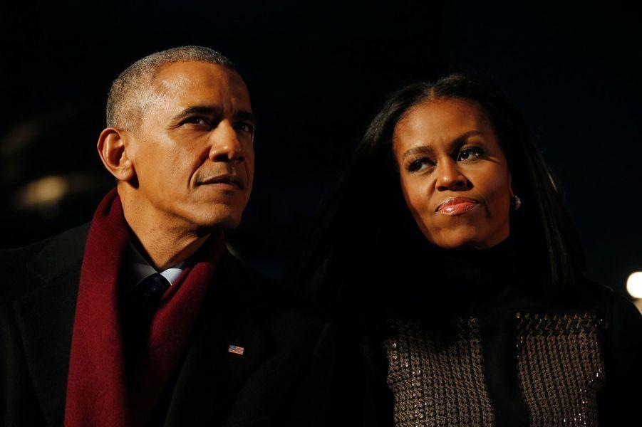 Michelle et Barack Obama ont allumé pour la dernière fois le sapin de la Maison Blanche, le 1er décembre.
