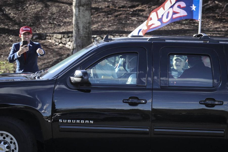Donald Trump arrivant au Trump National Golf Club de Sterling, en Virginie, le 26 novembre 2020.