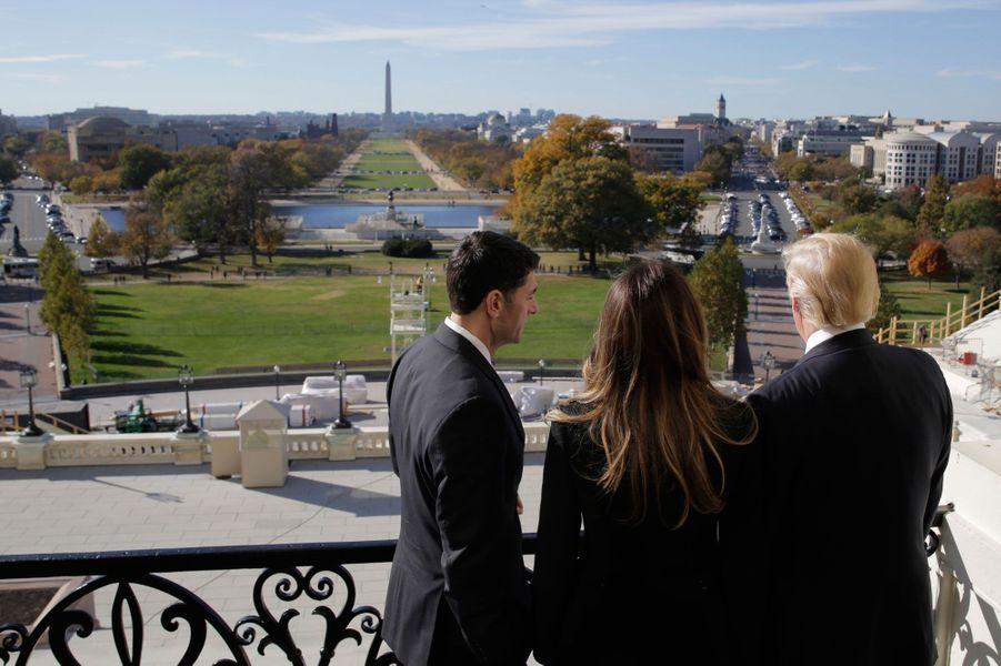 Au Capitole, Donald et Melania Trump rencontrent Paul Ryan.