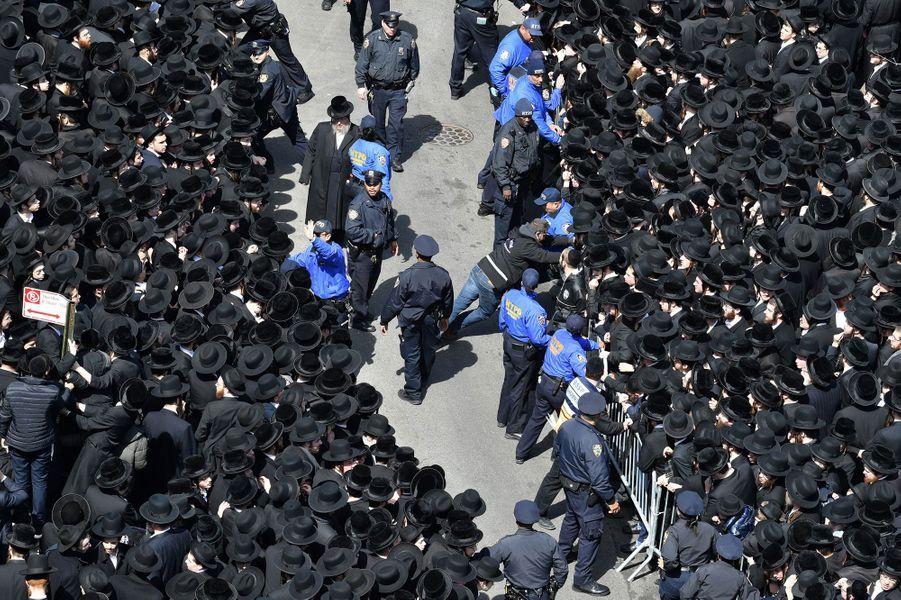Près de 100.000 rabbins étaient réunis dans les rues de Brooklyn, le 2 avril 2019.