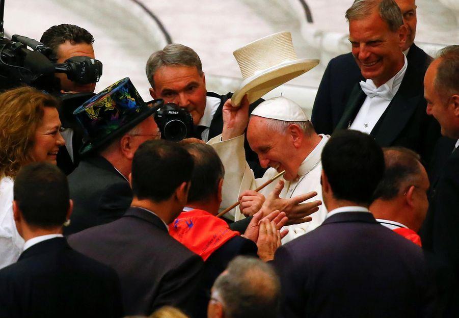 Quand le pape effraie un tigre et vice-versa