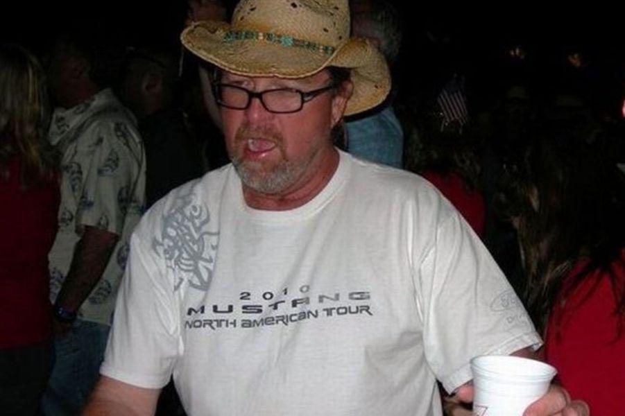 Thomas Day Jr., 54 ans, originaire de Californie, était au festival avec ses quatre enfants âgés de 20 à 30 ans lorsqu'il a été tué.