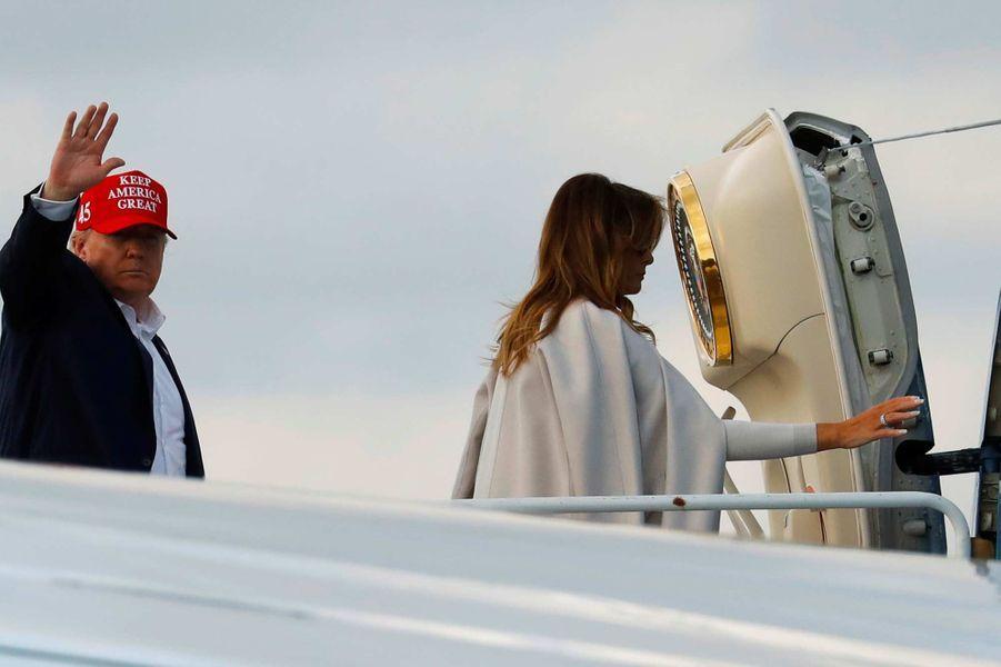 Donald et Melania Trump montant à bord d'Air Force One, le 1er décembre 2019.
