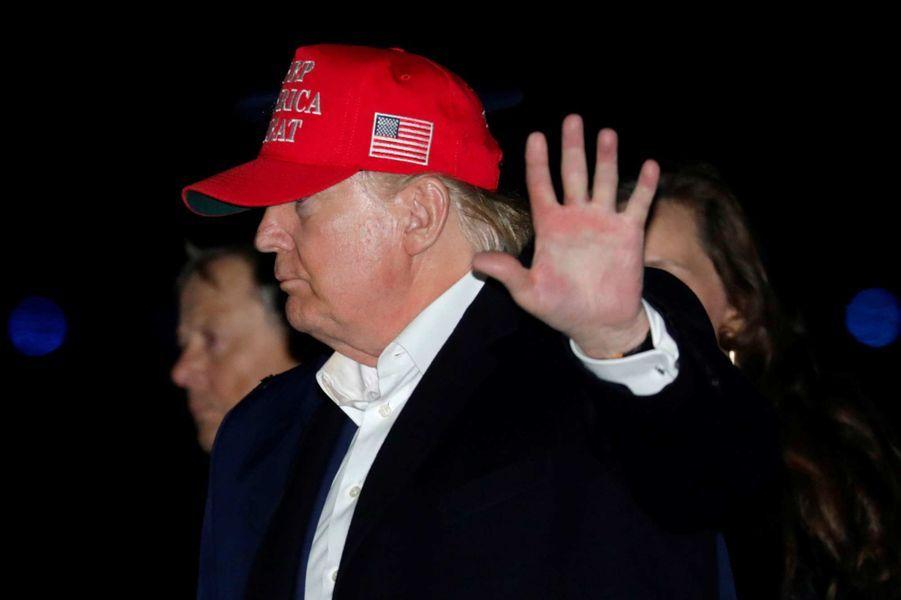 Donald Trump sur le tarmac de la base aérienne Andrews, le 1er décembre 2019.
