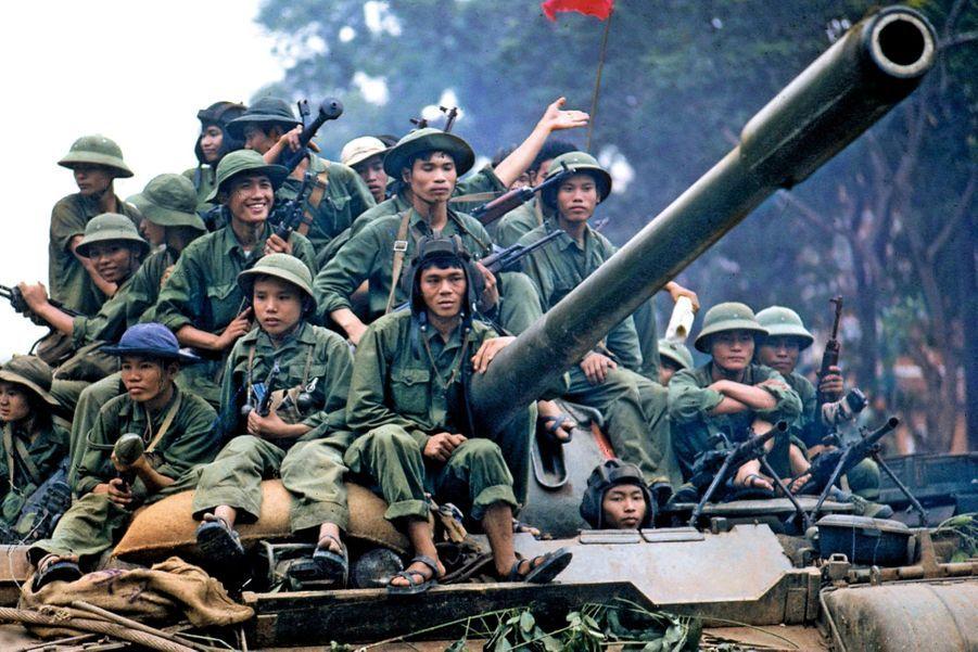 Les nord-vietnamiens ont pris le centre-ville de Saïgon qui devient à partir de 1975,Hô-Chi-Minh-Ville.