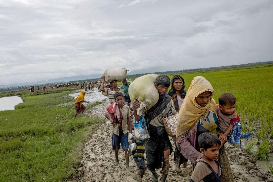 Juste après la frontière. Le premier village bangladais est à une heure de marche.