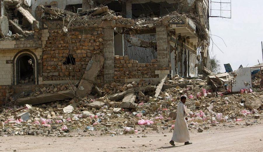 La ville de Saada, dans le nord du Yémen, porte toujours les cicatrices des récents bombardements.