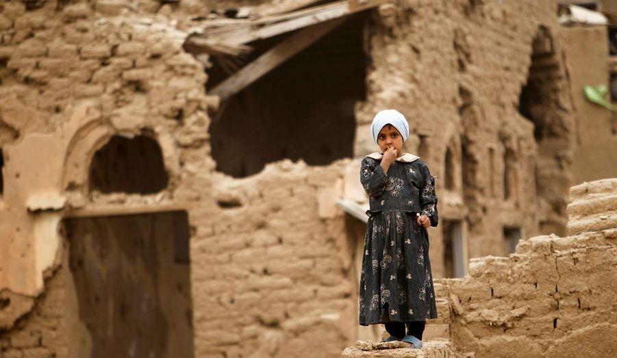 C'est une guerre civile qui ne fait pas les gros titres des journaux, et pourtant. Depuis 2004, les Houthistes, de confession chiite mènent une guérilla pour l'indépendance contre les troupes de l'armée régulière yéménite. Alors qu'un cessez-le-feu avait été conclu en 2010, les combats ont repris dans le Gouvernatorat, souvent à l'arme lourde. Et bien sûr, ce sont les civils qui souffrent, dans une région d'une extrême pauvreté.