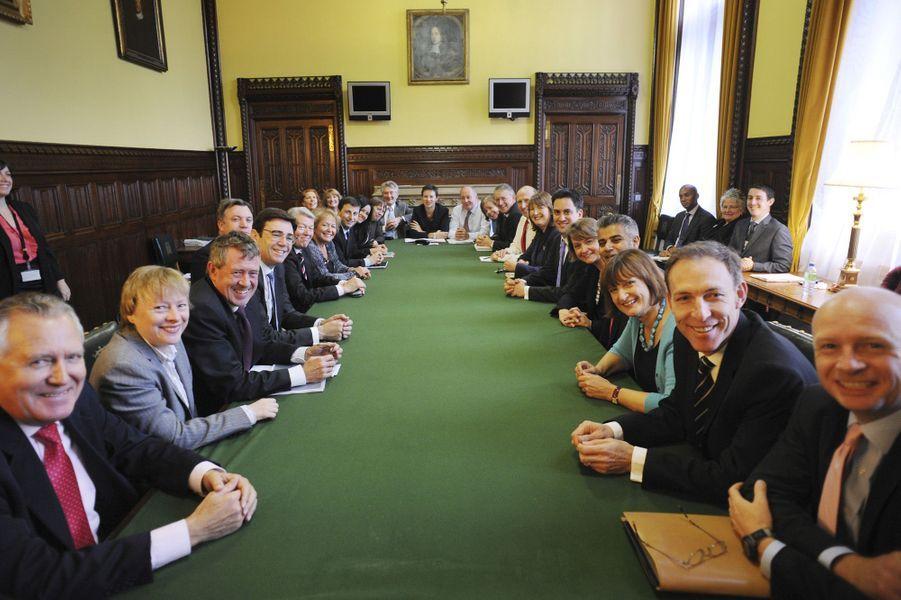 L'opposition au gouvernement réunie à la House of Commons, le 13 octobre 2010.