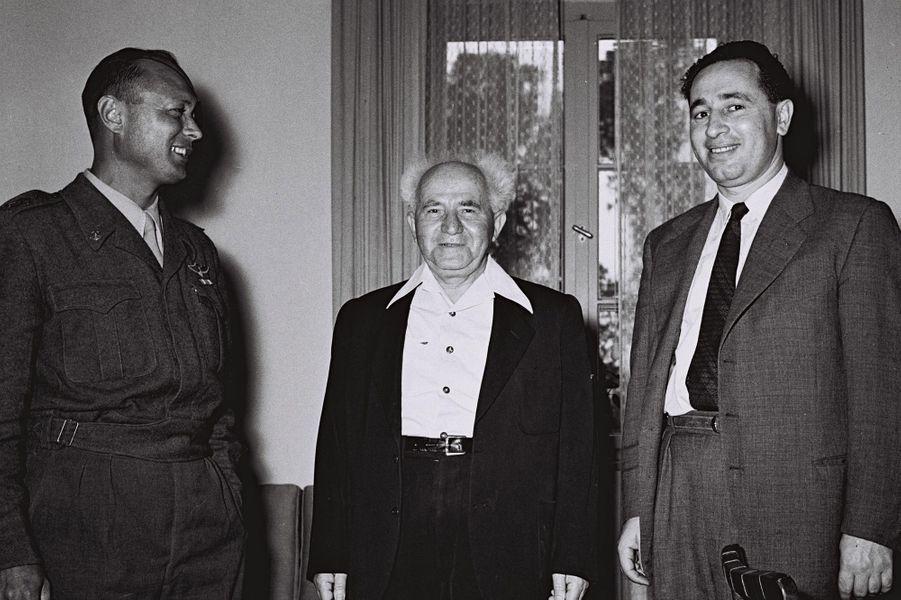 Moshe Dayan, David Ben Gourion et Shimon Peres, le 2 février 1955.