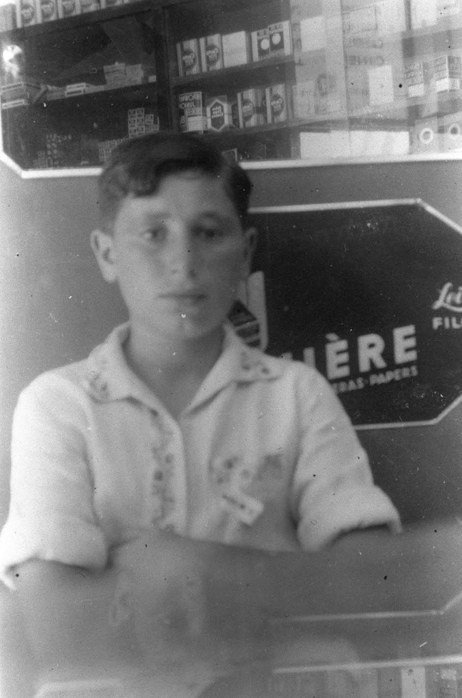 Shimon Peres à l'âge de 13 ans.
