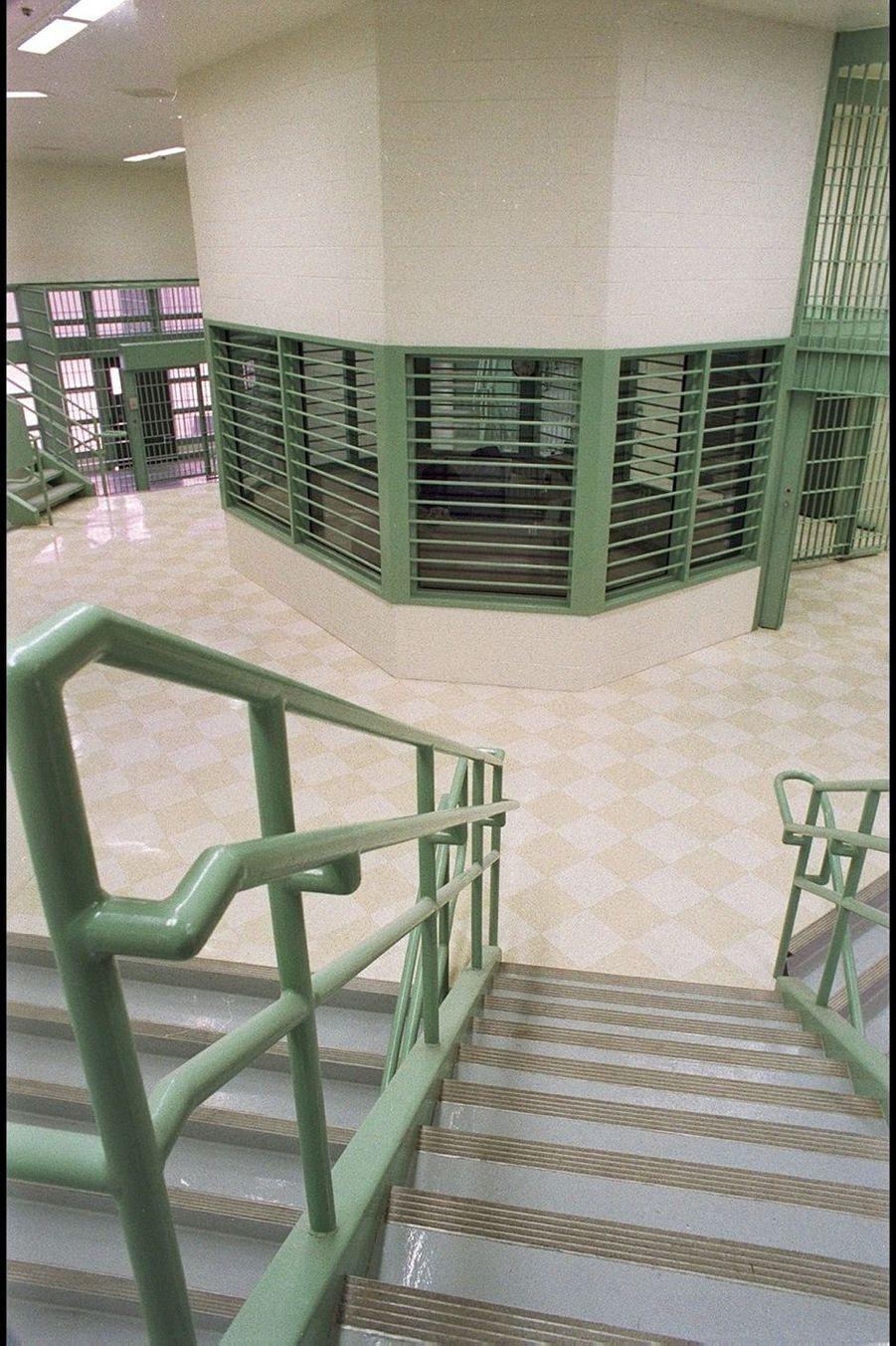 Escaliers et couloirs forment un véritable labyrinthe voulu par les architectes.