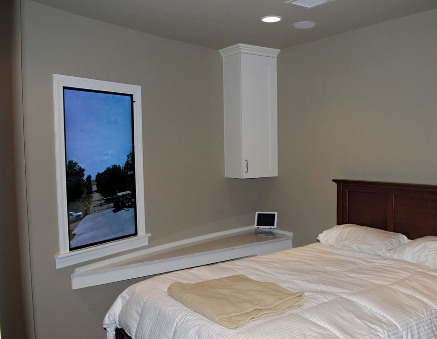Chambre avec vue… sur un écran vidéo.