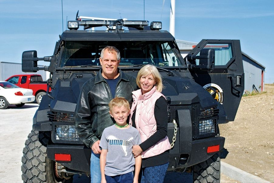 Le propriétaire du Survival Condo, Larry Hall, et sa famille. Cet ancien spécialiste des réseaux de données a acheté le site en 2008 pour 255 000 euros.