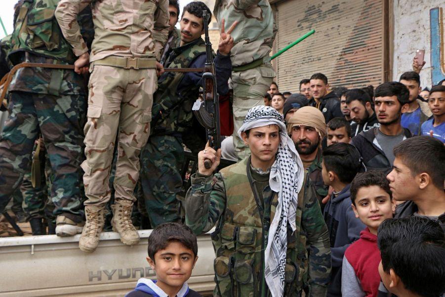 Les Syriens progouvernementaux sont venus « défendre la frontière et le territoire » contre l'irruption des troupes turques à Afrin.