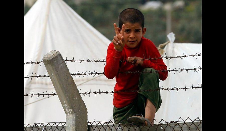 Malgré la fuite et les conditions de vie précaires, les réfugiés syriens y croient.
