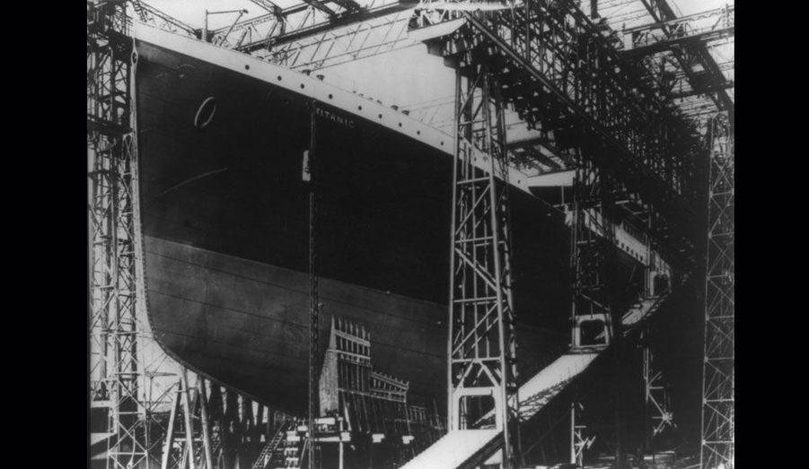 En mai 1911, un peu moins d'un an avant sa première croisière, le Titanic était encore en construction.