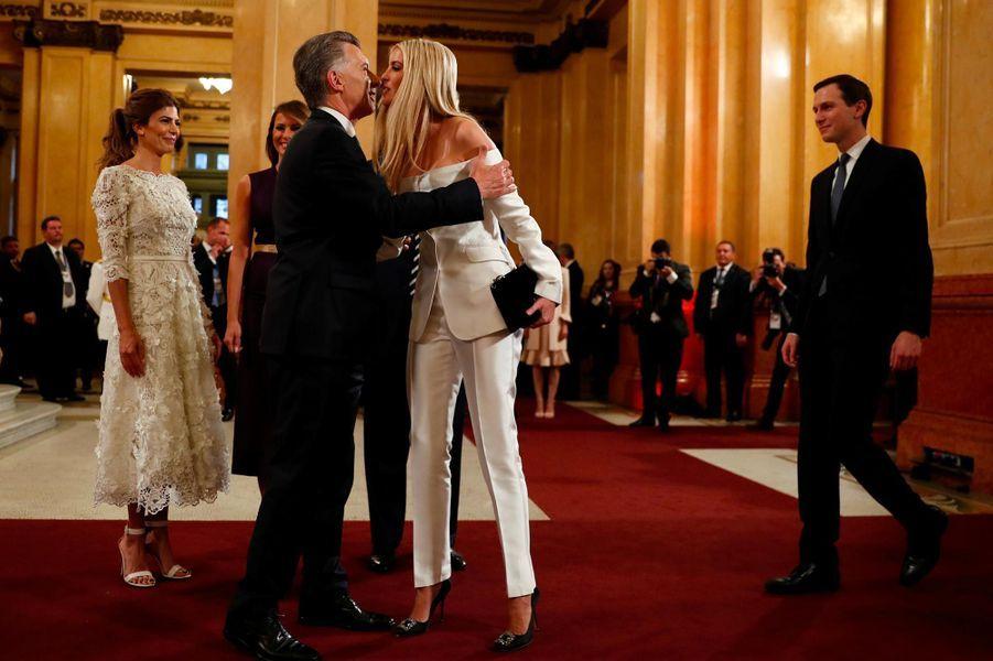 Melania, Donald et Ivanka Trump avec Mauricio Macri et Juliana Awada au Teatro Colón de Buenos Aires, le 30 novembre 2018.