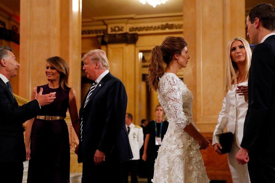 Melania et Donald Trump, Ivanka Trump et Jared Kushner avec Mauricio Macri et Juliana Awada au Teatro Colón de Buenos Aires, le 30 novembre 2018.