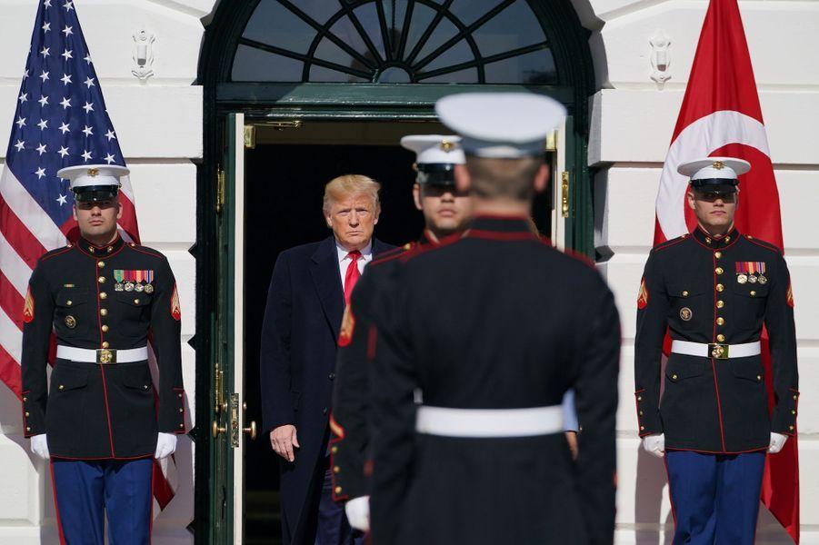 Donald Trump et son épouse Melania accueillent le président turcRecep Tayyip Erdogan et sa femmeEmine à la Maison Blanche, le 13 novembre 2019.