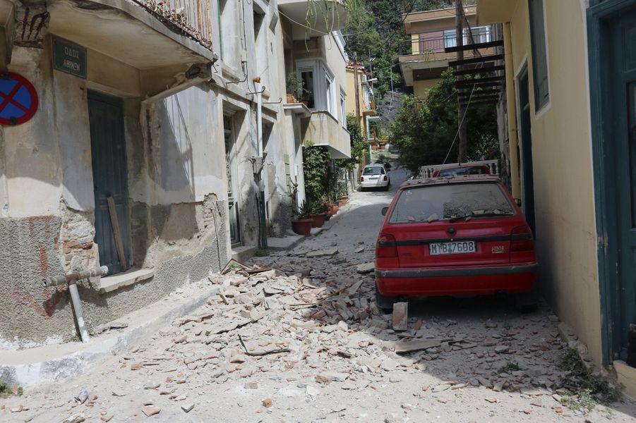 Dégâts du séisme sur l'île de Lesbos, le 12 juin 2017.