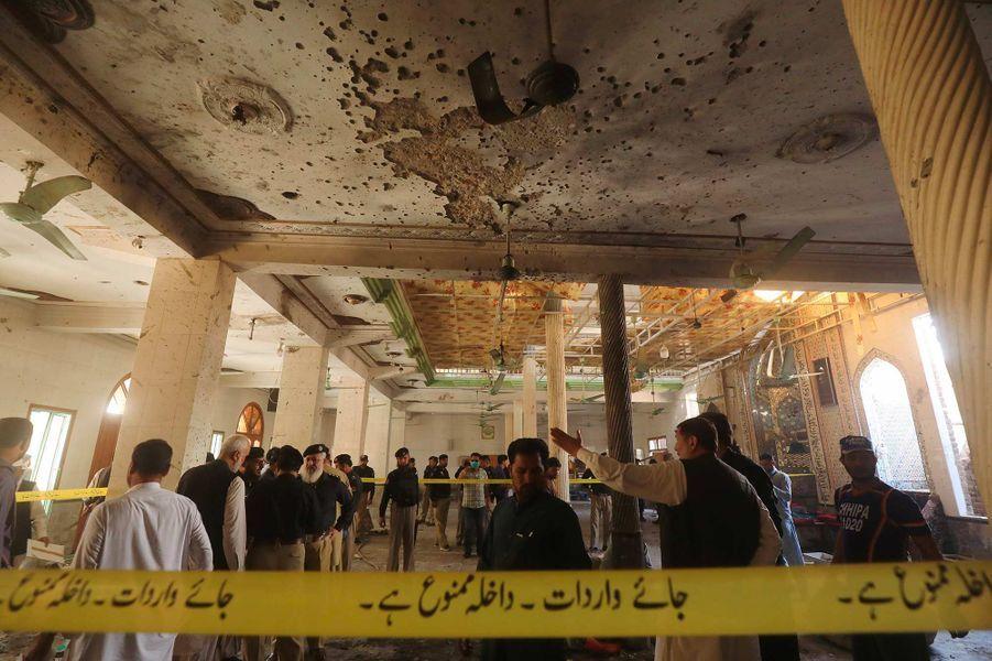 Au moins sept personnes ont été tuées et 50 blessées dans l'explosion d'une bombe à Peshawar, au Pakistan, le 27 octobre 2020.